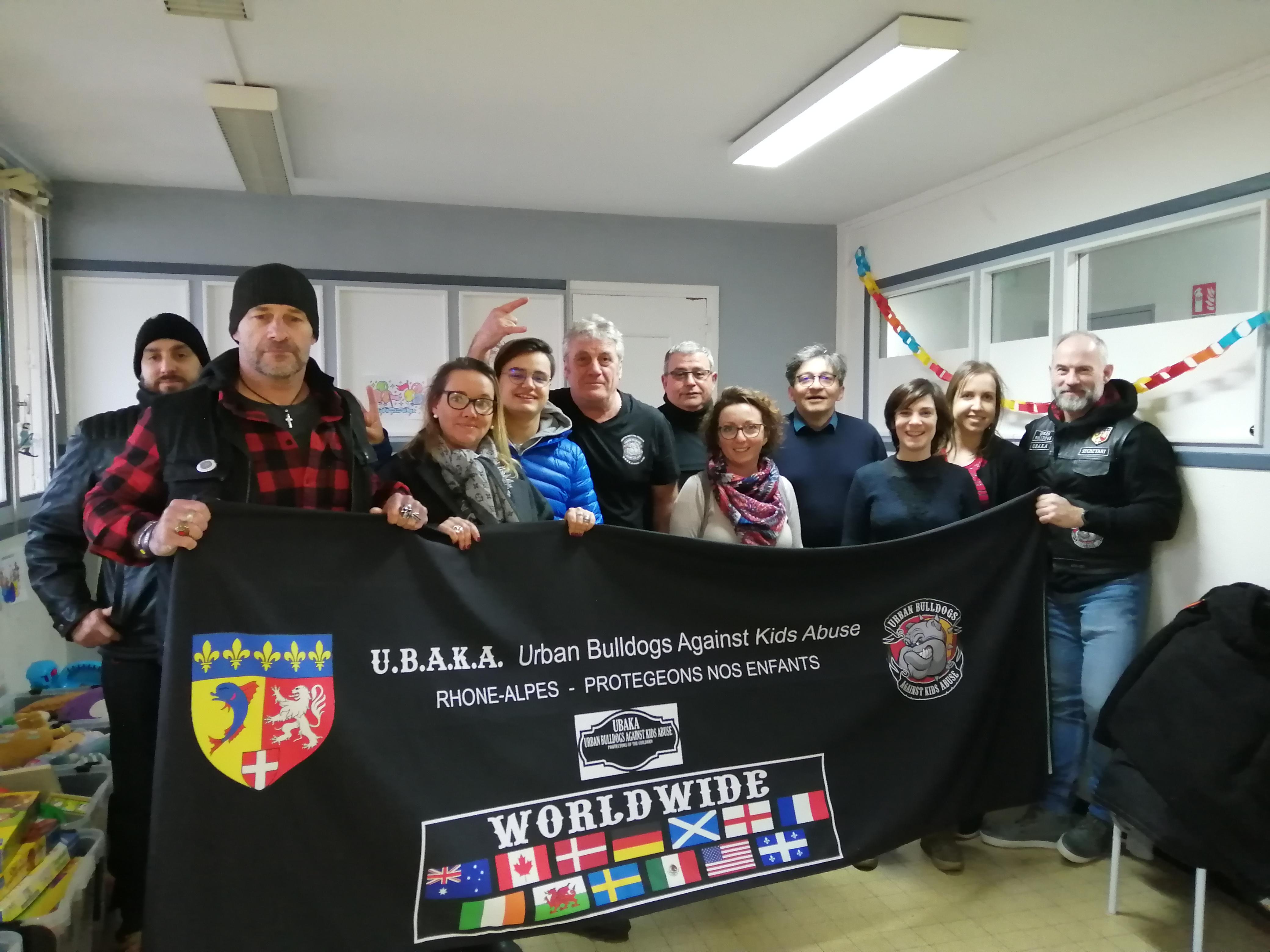 Les bikers de l'association U.B.A.K.A se mobilisent à Villefranche et Belleville-sur-Saône