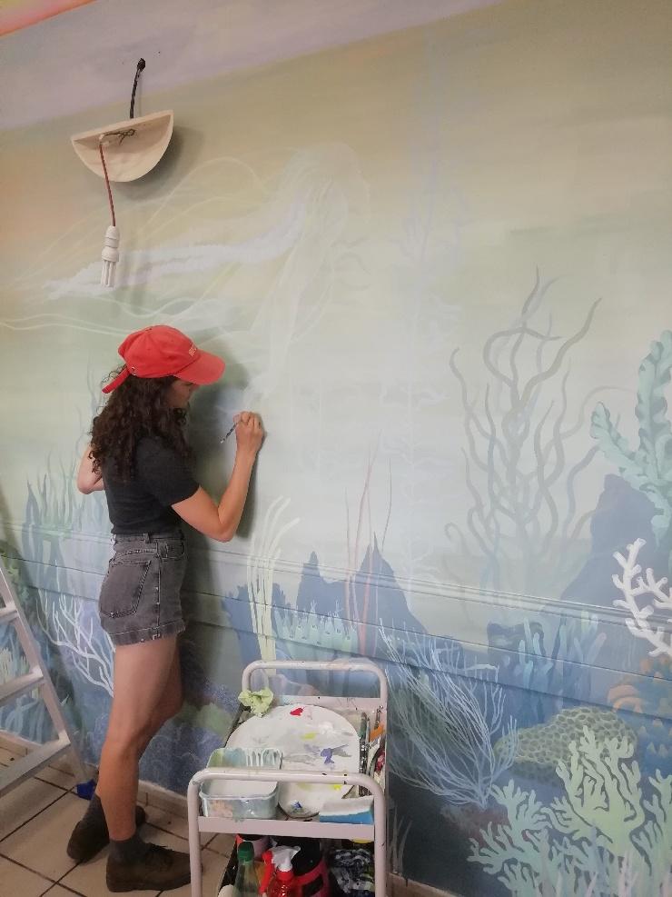 Centre d'Accueil et d'Orientation : réalisation d'une fresque, par l'artiste Marthe JUNG